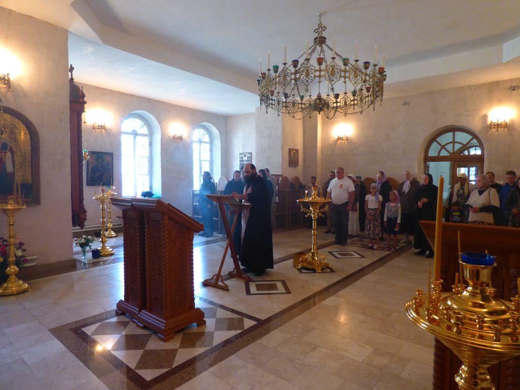 Молебен перед началом строительства храма